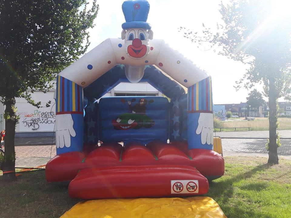 kinderfeestjes Kinderfeestjes Springkussen Clown
